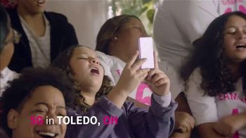 T-Mobile Super Bowl 2021 TV Spot, 'Team Anthony Anderson vs. Team Mama' Featuring Travis Kelce - Thumbnail 4