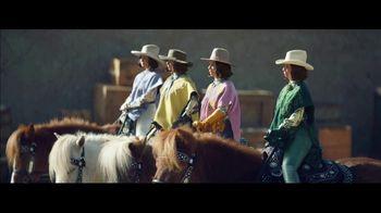 Klarna Super Bowl 2021 TV Spot, 'The Four Quarter-Sized Cowboys' Featuring Maya Rudolph - Thumbnail 6