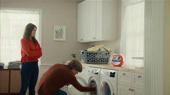 Tide Hygienic Clean Power Pods Super Bowl 2021 TV Spot, 'The Jason Alexander Hoodie' - Thumbnail 8