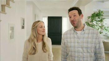 SKECHERS MAX Cushioning Super Bowl 2021 TV Spot, 'To the Max' Featuring Tony Romo, Candice Romo - Thumbnail 5