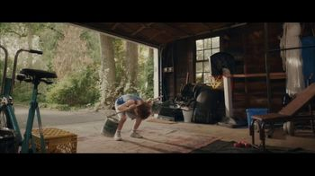 E*TRADE Super Bowl 2021 TV Spot, 'Workout' Song by Joe Esposito - Thumbnail 5