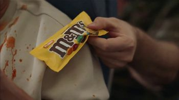 M&M's Super Bowl 2021 TV Spot, 'Come Together' Featuring Dan Levy - Thumbnail 2