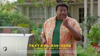 Scotts Miracle-Gro Super Bowl 2021 TV Spot, 'Keep Growing' Featuring Martha Stewart, Leslie David Baker - Thumbnail 10