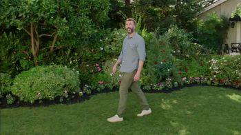Scotts Miracle-Gro Super Bowl 2021 TV Spot, 'Keep Growing' Featuring Martha Stewart, Leslie David Baker - Thumbnail 2