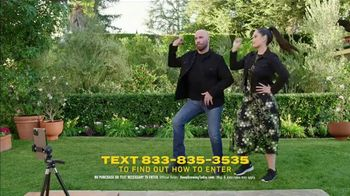 Scotts Miracle-Gro Super Bowl 2021 TV Spot, 'Keep Growing' Featuring Martha Stewart, Leslie David Baker - Thumbnail 8
