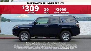 2021 Toyota 4Runner TV Spot, 'Road Trip: Anywhere' Ft. Ethan Erickson, Danielle Demski [T2] - Thumbnail 8