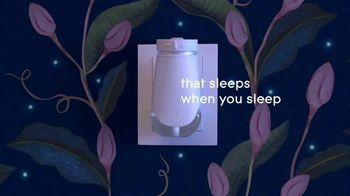 Glade PlugIns PLUS TV Spot, 'Sleeps When You Sleep' - Thumbnail 6