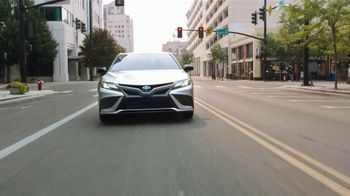 Toyota Run the Numbers Winter Event TV Spot, 'Decision: Corolla and Camry' [T2]