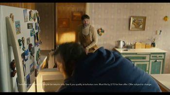 TurboTax Live Basic Super Bowl 2021 TV Spot, 'Freeloader' - Thumbnail 6