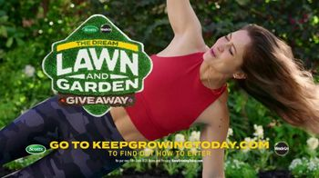 Scotts Dream Lawn and Garden Giveaway TV Spot, 'Emma Lovewell Leaf Blower Plank: Keep Growing' - Thumbnail 10