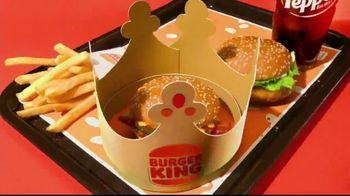 Burger King $1 Your Way Menu TV Spot, 'Viviendo bien' [Spanish] - Thumbnail 7