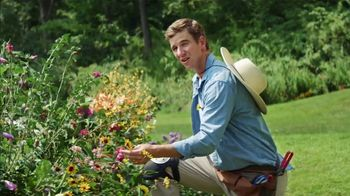 Frank's RedHot Super Bowl 2021 TV Spot,  'Free Time' Featuring Eli Manning - Thumbnail 2