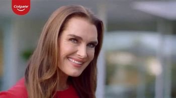 Colgate Renewal TV Spot, 'Confident' Featuring Brooke Shields - Thumbnail 1