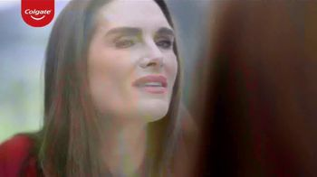 Colgate Renewal TV Spot, 'Confident' Featuring Brooke Shields - Thumbnail 4