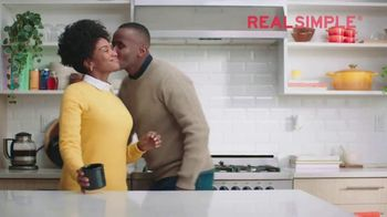 Glade PlugIn Plus TV Spot, 'Real Simple: A Smart Solution'