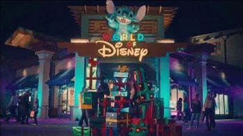 Disney Springs TV Spot, 'Holidays: Happily Whatever You're After' - Thumbnail 4
