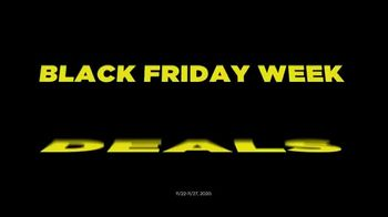 Kohl's Black Friday Week Deals TV Spot, 'Blankets, Appliances and Fitbits' - Thumbnail 10
