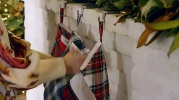 Etsy TV Spot, 'HGTV: Making the Holidays Personal' Featuring Erin Napier - Thumbnail 4