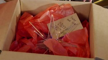 Etsy TV Spot, 'HGTV: Making the Holidays Personal' Featuring Erin Napier - Thumbnail 7