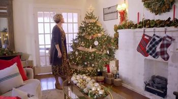 Etsy TV Spot, 'HGTV: Making the Holidays Personal' Featuring Erin Napier - Thumbnail 8