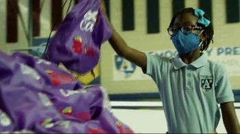FedEx TV Spot, 'Blessings in a Backpack' Featuring Josh Jacobs - Thumbnail 4
