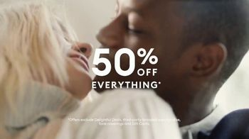 Banana Republic Black Friday TV Spot, 'Love the Present' Song by the Heavy Duty Projects - Thumbnail 9