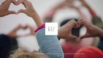 Gap TV Spot, 'Black Friday: Dream the Future' - Thumbnail 10