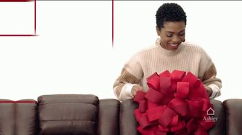 Ashley HomeStore Black Friday Deal Days TV Spot, '30% Off Your First Item and 20% Off the Rest' - Thumbnail 2