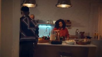 Fitbit TV Spot, 'Holidays: The Gift of Good Health' Song by Hawa - Thumbnail 7
