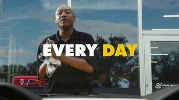 Advance Auto Parts TV Spot, 'Right Oil, Right Filter, Right Price' - Thumbnail 6