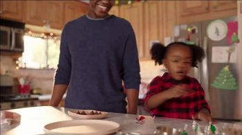 Hershey's Kisses TV Spot, 'Holidays: Bells to Blossoms' - Thumbnail 4