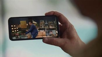 Portal from Facebook TV Spot, 'Gifting With Leslie Jones: $65' - Thumbnail 5