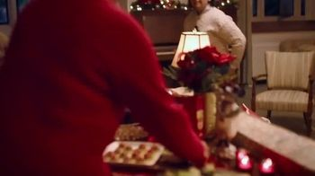 Ritz Crackers TV Spot, 'Holidays: Where There's Love, There's Family' - Thumbnail 5