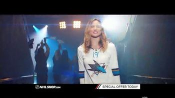 NHL Shop TV Spot, 'Gearing Up for the Holidays' - Thumbnail 2