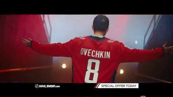 NHL Shop TV Spot, 'Gearing Up for the Holidays' - Thumbnail 7