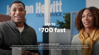 Jackson Hewitt TV Spot, 'Need Money for the Holidays?: Early Refund Advance Loan' - Thumbnail 9