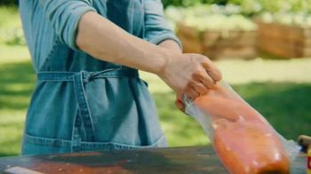 Glad Flex'N Seal TV Spot, 'Giant Carrot' - Thumbnail 5