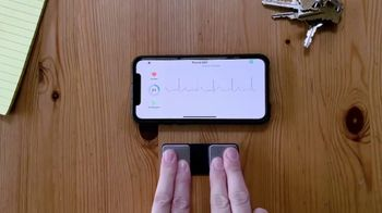 AliveCor Holiday Offer TV Spot, 'Check In On Your Heart' - Thumbnail 1