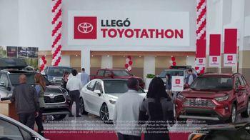 Toyota Toyotathon TV Spot, 'Celebra las fiestas' [Spanish] [T2] - Thumbnail 1