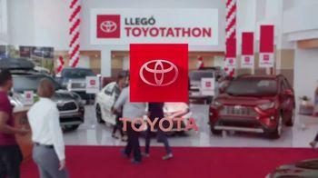 Toyota Toyotathon TV Spot, 'Celebra las fiestas' [Spanish] [T2] - Thumbnail 10