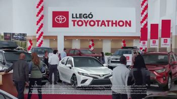 Toyota Toyotathon TV Spot, 'Celebra las fiestas' [Spanish] [T2] - Thumbnail 2