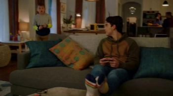 Nintendo Switch TV Spot, 'My Way: Clubhouse Games: 51 Worldwide Classics' - Thumbnail 3