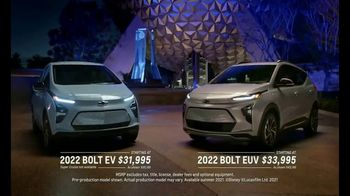 2022 Chevrolet Bolt TV Spot, 'Magic is Electric: Super Cruise' Song by Bob Marley [T1] - Thumbnail 10