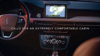 Lincoln Motor Company TV Spot, 'Comfort in the Extreme: Cold' [T2] - Thumbnail 3