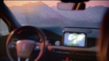 Lincoln Motor Company TV Spot, 'Comfort in the Extreme: Cold' [T2] - Thumbnail 5