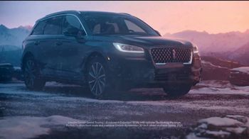 Lincoln Motor Company TV Spot, 'Comfort in the Extreme: Cold' [T2] - Thumbnail 6