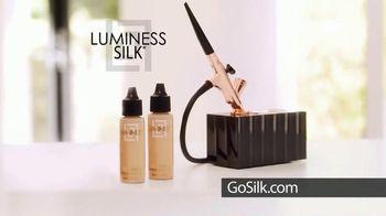 Luminess Silk Half-Off Sale TV Spot, 'Free Shipping' - Thumbnail 7