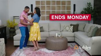 Ashley HomeStore Presidents Day Sale TV Spot, 'Final Four Days: Save Up to 50% Off Doorbusters' - Thumbnail 8