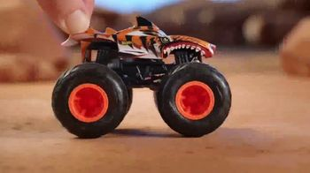Hot Wheels Monster Trucks TV Spot, \'Crush the Road\'