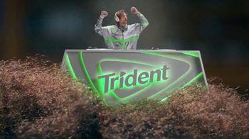 Trident TV Spot, 'Refresca tu ritmo' canción de Technotronic [Spanish]